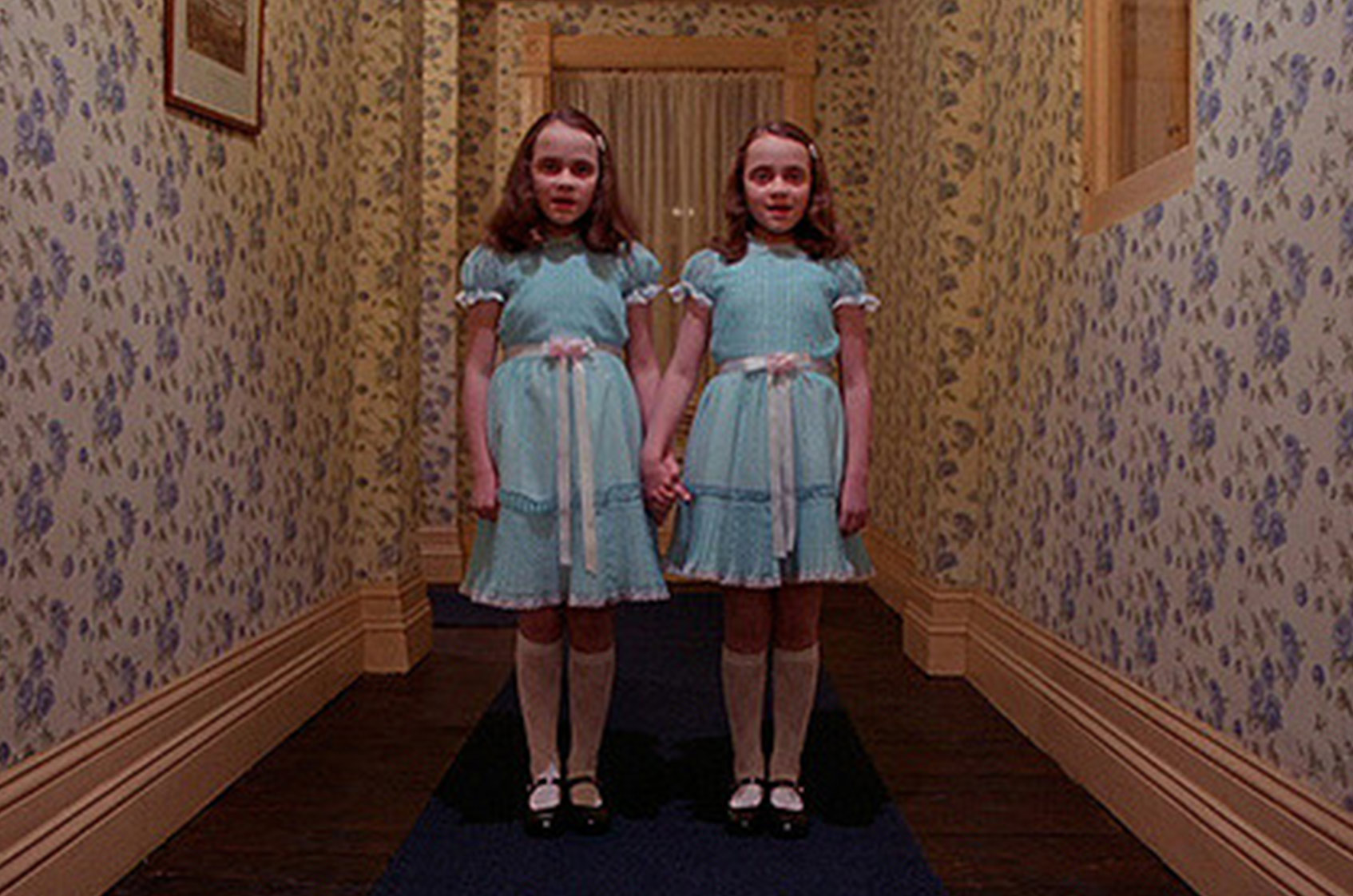 Les jumelles Grady dans Shining de Stanley Kubrick - Copyright © 1980 Warner Bros. Entertainment Inc.